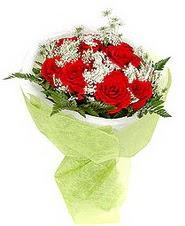 Kıbrıs hediye çiçek yolla  7 adet kirmizi gül buketi tanzimi