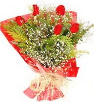 Kıbrıs çiçek online çiçek siparişi  5 adet kirmizi gül buketi demeti