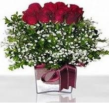 Kıbrıs internetten çiçek siparişi  mika yada cam vazo içerisinde 7 adet gül