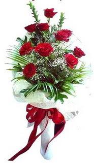 Kıbrıs çiçekçi mağazası  10 adet kirmizi gül buketi demeti