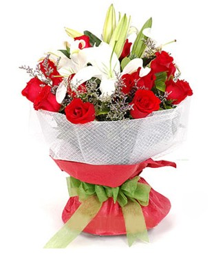 Kıbrıs çiçek siparişi sitesi  1 dal kazablanka 11 adet kırmızı gül buketi