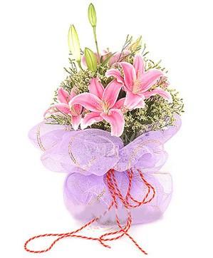 3 dal kazablanka görsel buketi  Kıbrıs internetten çiçek siparişi