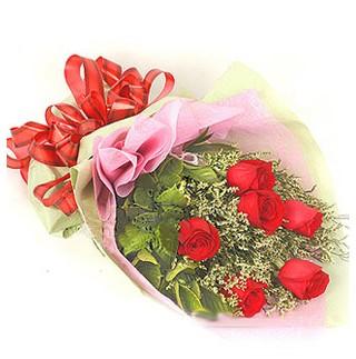 Kıbrıs hediye çiçek yolla  6 adet kırmızı gülden buket