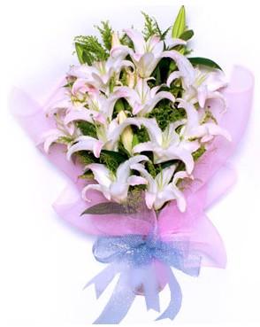 5 dal kazablankadan muhteşem buket  Kıbrıs çiçek siparişi sitesi