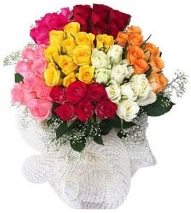 Kıbrıs çiçek , çiçekçi , çiçekçilik  51 adet farklı renklerde gül buketi
