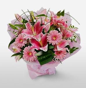 1 dal kazablanka ve kır çiçek görsel buketi  Kıbrıs internetten çiçek siparişi