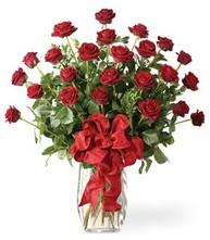 Sevgilime sıradışı hediye güller 24 gül  Kıbrıs hediye sevgilime hediye çiçek