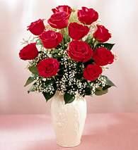 Kıbrıs internetten çiçek satışı  9 adet vazoda özel tanzim kirmizi gül