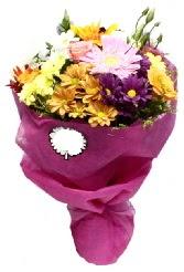 1 demet karışık görsel buket  Kıbrıs çiçek online çiçek siparişi