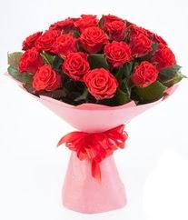 15 adet kırmızı gülden buket tanzimi  Kıbrıs çiçekçiler