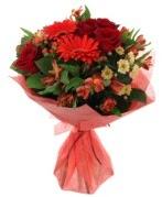 karışık mevsim buketi  Kıbrıs online çiçek gönderme sipariş