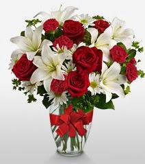 Eşsiz vazo tanzimi güller kazablankalar  Kıbrıs cicekciler , cicek siparisi