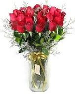 27 adet vazo içerisinde kırmızı gül  Kıbrıs çiçek yolla