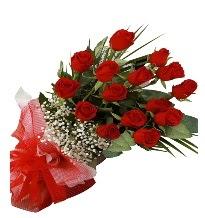 15 kırmızı gül buketi sevgiliye özel  Kıbrıs çiçek gönderme