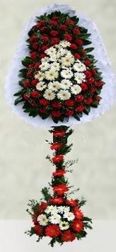 Kıbrıs internetten çiçek siparişi  çift katlı düğün açılış çiçeği