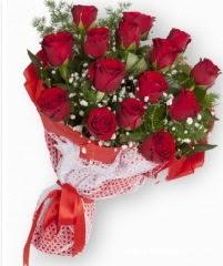 11 adet kırmızı gül buketi  Kıbrıs 14 şubat sevgililer günü çiçek