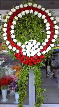 Cenaze çelenk çiçeği modeli  Kıbrıs çiçek online çiçek siparişi