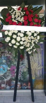 Cenaze çiçeği cenaze çiçek modelleri  Kıbrıs çiçekçiler