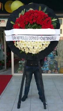 Cenaze çiçek modeli  Kıbrıs çiçekçiler