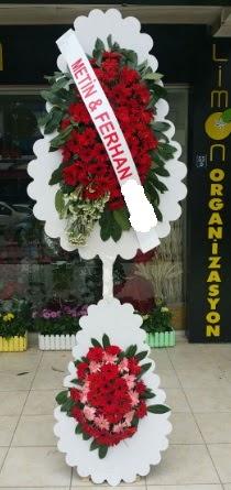 Çift katlı düğün nikah çiçeği modeli  Kıbrıs çiçekçiler