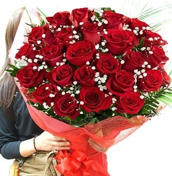 Kız isteme çiçeği buketi 33 adet kırmızı gül  Kıbrıs çiçek gönderme