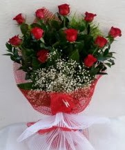 11 adet kırmızı gülden görsel çiçek  Kıbrıs ucuz çiçek gönder