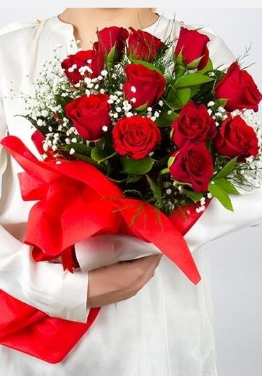 Aşk Gülleri 11 Adet kırmızı gül buketi  Kıbrıs çiçek , çiçekçi , çiçekçilik