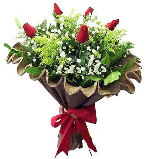 5 adet gülden buket  Kıbrıs çiçek gönderme
