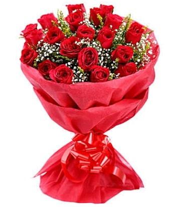 21 adet kırmızı gülden modern buket  Kıbrıs çiçek satışı