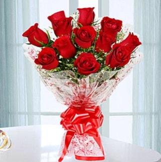 11 adet kırmızı gülden görsel şık buket  Kıbrıs çiçekçi mağazası