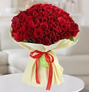 101 adet kırmızı gül buketi koca demet  Kıbrıs online çiçek gönderme sipariş