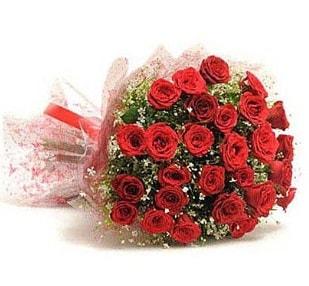 27 Adet kırmızı gül buketi  Kıbrıs çiçekçi mağazası