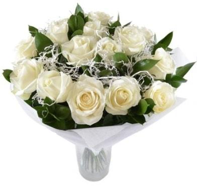 15 beyaz gül buketi sade aşk  Kıbrıs ucuz çiçek gönder