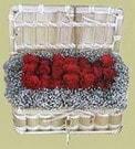 Kıbrıs 14 şubat sevgililer günü çiçek  Sandikta 11 adet güller - sevdiklerinize en ideal seçim